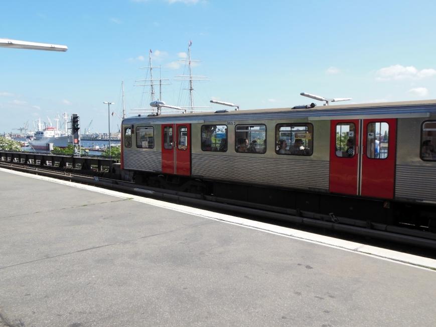 DT3-E 865-3 in Landungsbrücken