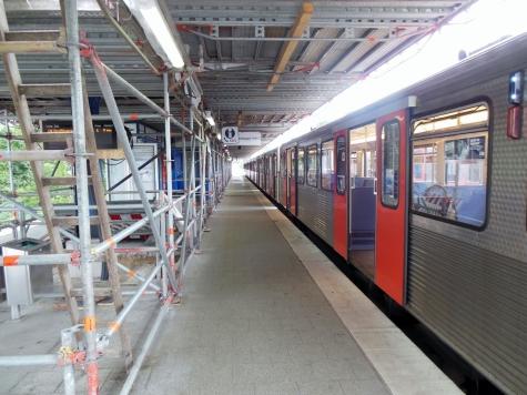 Auf der anderen Seite, wo die U3-Züge enden