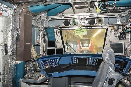 Fertigung der neuen S-Bahnfahrzeuge im Bombardier Werk Hennigsdorf - Fahrerraum