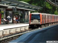 Hinter dem DT5 folgte auf der U1 ein DT3 (910/853/863), welcher angeblich nach Großhansdorf fährt... Zeit für einen Ortswechsel!