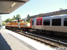 Und dann kommt der DT5 320 um 11:50 im U-Bahn-Netz an.