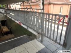 Das Treppengeländer wurde in den letzten Wochen montiert.