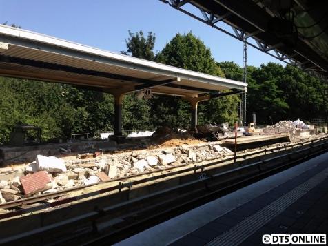 Das Dach wurde bereits teilweise zurückgebaut