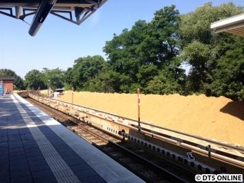 Am Bahnsteigende nichts mehr als Sand