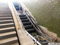 Auch eine Rolltreppe befindet sich in Bau, fertig ist sie noch nicht.