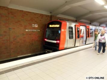 In Norderstedt Mitte endete der Zug, als die Softwaretests im April gemacht wurden, endete der DT5 immer Ochsenzoll.