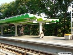 Aprospros: Die Verkleidung des anderen Dachs its fertig.