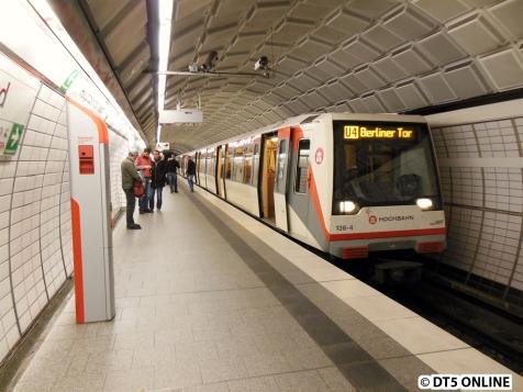 DIe U4 fährt auch zum Berliner Tor, nur mit Zügen neueren Datums