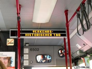 Innen wie außen wird als Ziel der VHT angezeigt - der Weg ist also das Ziel ;) Der Bus 6502 wurde 1994 gebaut und wurde 2009/10 ausgemustert. Kein SchnellBus in Hamburg wurde im Fahrgastraum höherwertig ausgestattet
