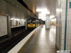 T-Wagen-Zug erreicht Schlump
