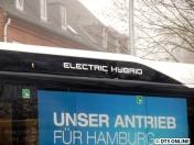 Oben erhalten die PHEV-Busse die Beschriftung ELECTRIC HYBRID, analog zu den bisher verwendeten Hybrid-Aufklebern.