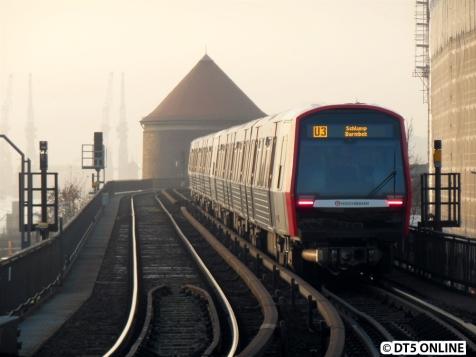 Der DT5 321/309 verlässt die Haltestelle