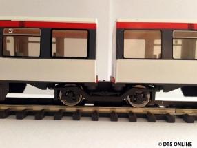 Das Drehgestell zwischen den Wagen 1 und 2, bzw. 3 und 4.