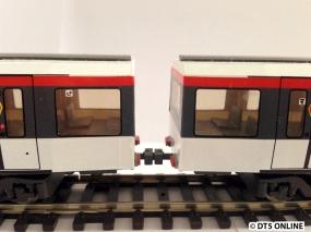 Zwischen den Wagen 2 und 3 ist eine übliche Kupplung verbaut worden. Sie ist auch mit den an den Wagenenden verbindbar, denkbar wären somit ohne Probleme 6-Wagen-Züge. 8 Wagen-Züge sind aber im Paket Angetrieben/Unangetrieben nicht möglich, der Zug käme nicht vom Fleck.