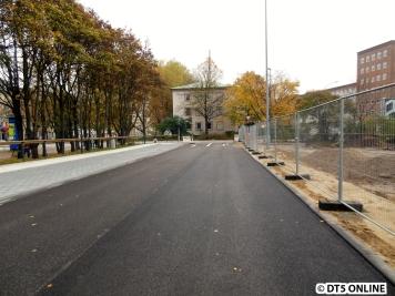 E-Bus-Terminal Adenauerallee 08.11.2014 (10)