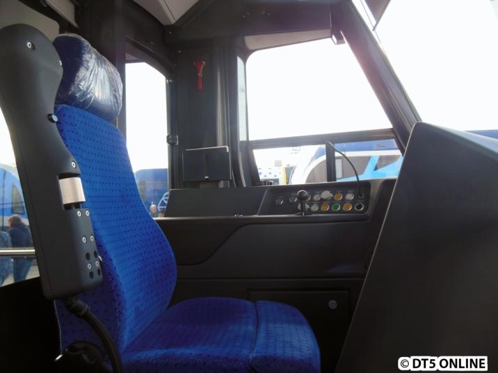 Der Fahrerraum von der Seite