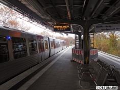 Nein, dieser Zug fährt nach Schlump. Nicht Richtung Garstedt ;) ...
