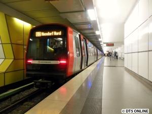 DT5 308 in Jungfernstieg (U2 Niendorf Nord)