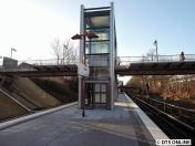 Aufzug vom Bahnsteigende