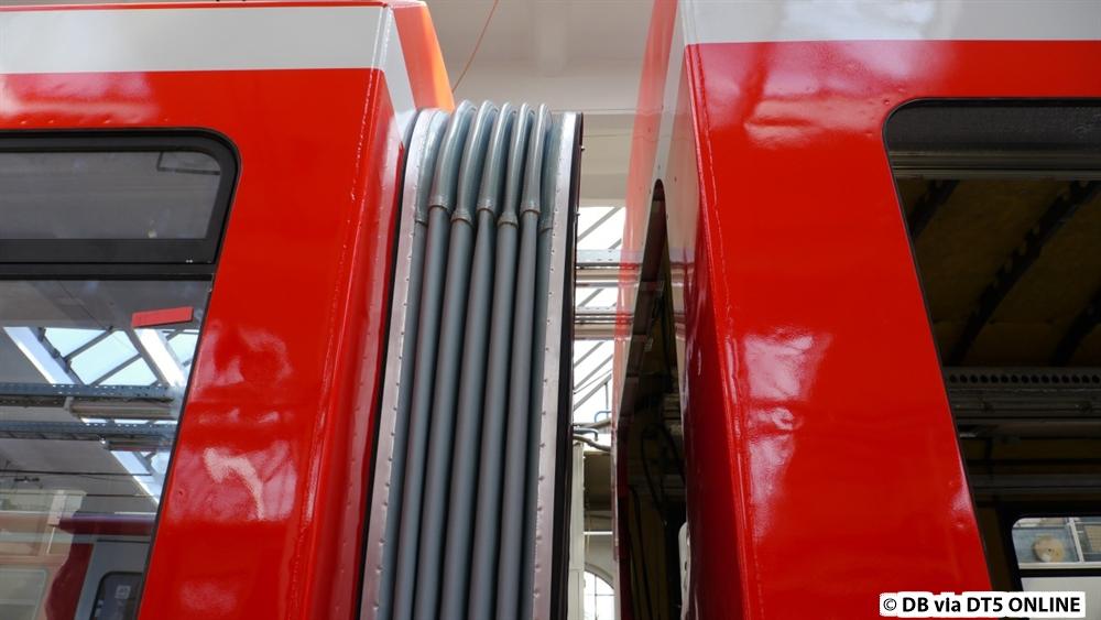 hamburg erstes s bahn fahrzeug et 474 im redesign. Black Bedroom Furniture Sets. Home Design Ideas