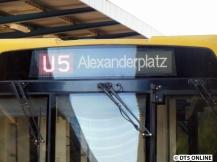 Ein H-Zug hat bereits solche neuen LED-Anzeigen. H 5035 in Wuhletal.