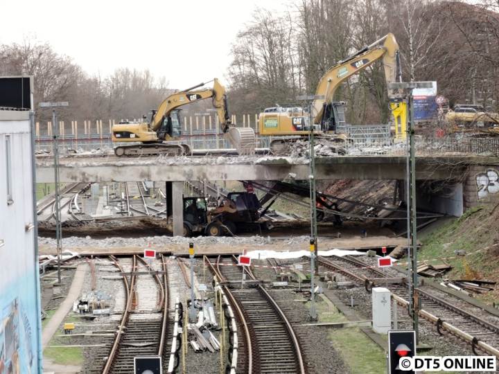 Am 3. Januar war der Abriss der alten Öjendorfer Brücke schon im Gange