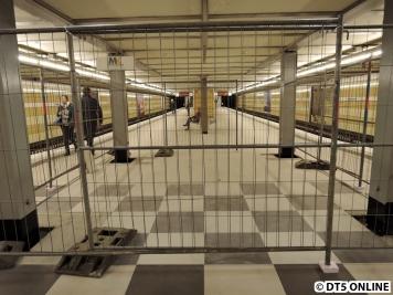 Das hier war mal das Tennisfeld. Der Bahnhof hat somit seine Besonderheit verloren.