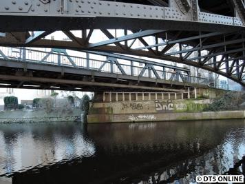 U1-Brücke über den Isebekkanal, 12.03.2015 (11)