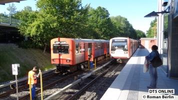Es hat Einfahrt: DT3 831 nach Norderstedt Mitte