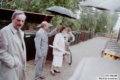 Bausenator Volker Lange, Bezirksamtsleiterin Ingrid Nümann-Seidewinkel und HHA-Chef Hermann Meyer eröffneten die Strecke.