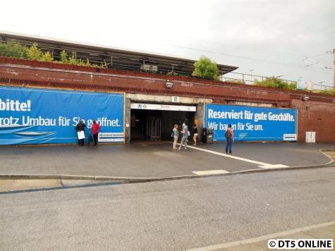Dieser Zugang wurde Mitte 2015 zur Sanierung geschlossen. Bild vom Juli 2014.