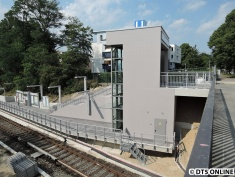 Der Zugang zum Bahnsteig Richtung Jungfernstieg