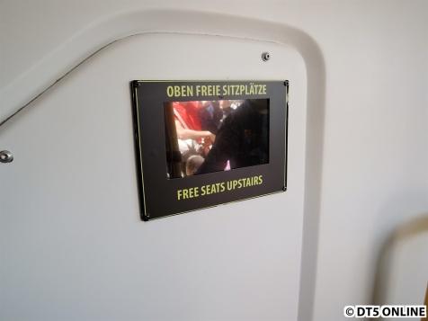 Ein Display am Eingang beim Fahrer zeigt an, wie viele Plätze oben frei seien