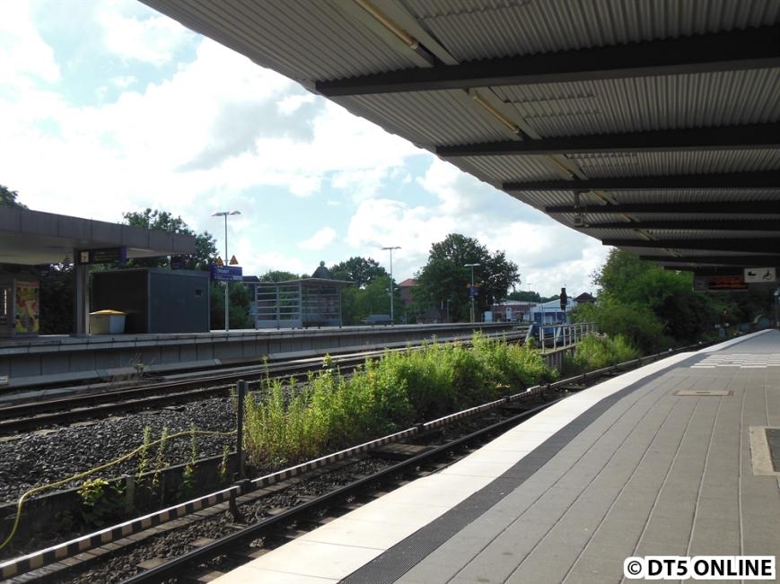 Blick vom U1-Bahnsteig auf den S-Bahnhof