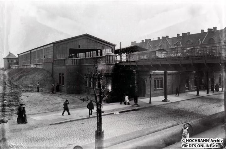 Haltestelle Rothenburgsort. Daneben der noch heute existente S-Bahnhof. Foto: Archiv HOCHBAHN