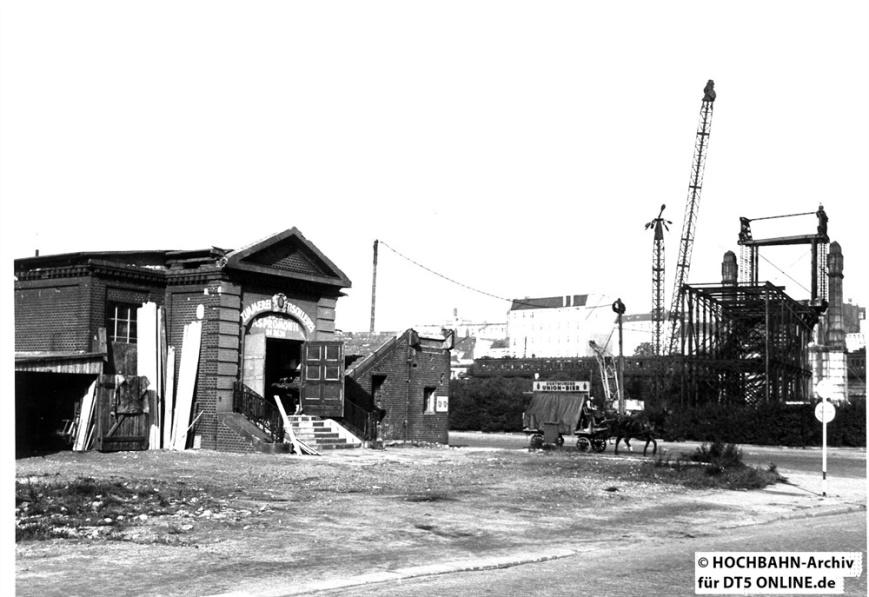 Spaldingstraßenbrücke in Bau.