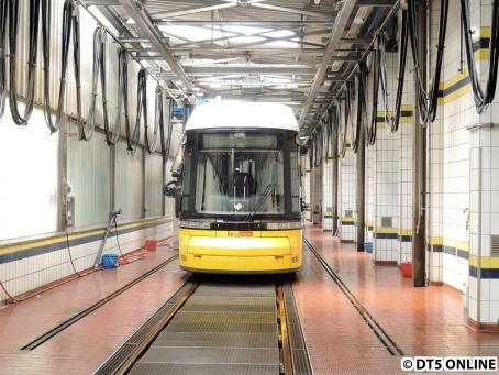 Straßenbahn-Waschanlage, BVG-Betriebshof Lichtenberg, 28.6.2015 (3)