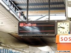 Angekündigt war dieser Zug als Sonderzug. Meine Rettung, so konnte ich mich bereit machen wenn er kommen sollte in Burgwedel