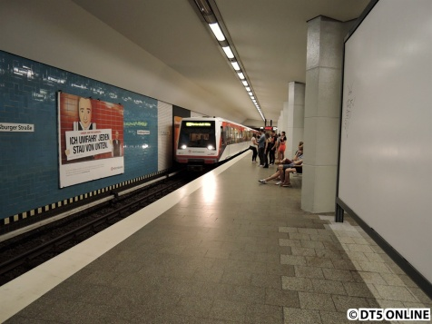 Das Warten hat ein Ende: Dank eines Tipps konnte ich dem Zug bis Straßburger Straße entgegenfahren.