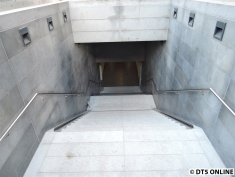 Abgang zur Metro
