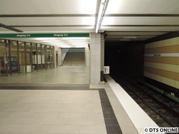 Die Bahnsteigenden haben nun nicht mehr provisorische Absperrungen o.Ä.