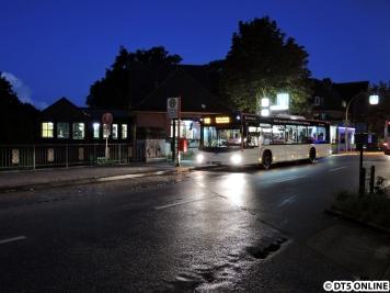 Am Abend zur blauen Stunde dann ein 2015er-MAN-Stadtbus, welcher einen Testlack besitzt.
