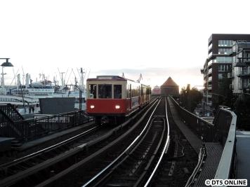 Kurze Zeit später folgte dieser 3 Wagen-Sonderzug, bestehend aus TU1, TU2 und T6 220.