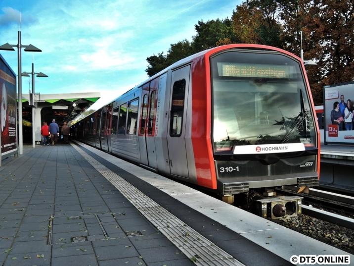 In Wandsbek-Gartenstadt muss die U3 während der U1-Sperrung kurz kehren (direkt am Bahnsteig), da die Kehre bereits belegt ist