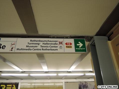 Neue Schilder für die Haltestelle... Mal wieder. Heute neu: Das neue Metrobussymbol ohne M.