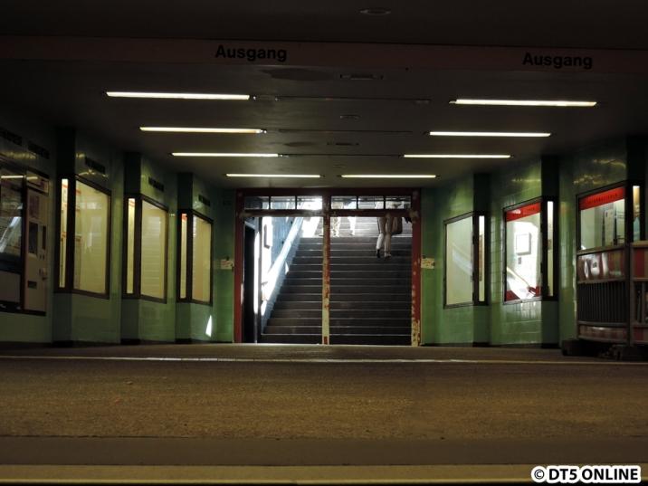 ... und die für die Kelljunglinie ehemals typischen Türen. Einzig hier waren sie erhalten worden, zur Zeit sind sie aber demontiert.