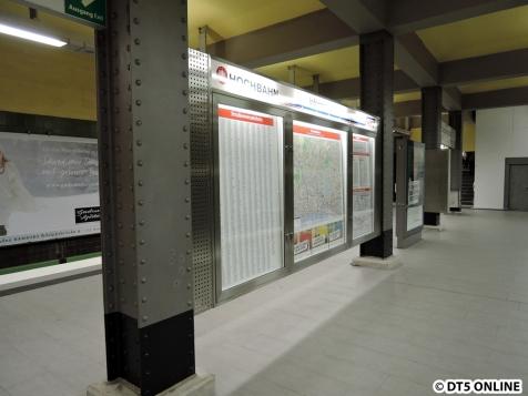 Am Stephansplatz hängen ebenfalls die neuen Fahrgastinformationstafeln.