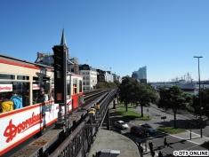 T-Wagen-Zug an den Landungsbrücken (2)