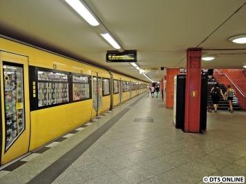 Ortswechsel: U5 Frankfurter Allee mit einem H-Zug