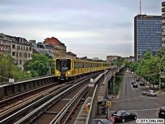 Hk auf der Kreuzberger Hochbahn, auch nur während der U12-Zeit, hier am Halleschen Tor